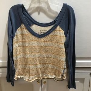 Free People crop long sleeve t-shirt. Good Cond.